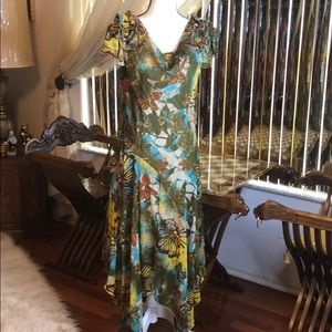 NWT Forest Green SIGNATURE By RobbieBee Maxi Dress